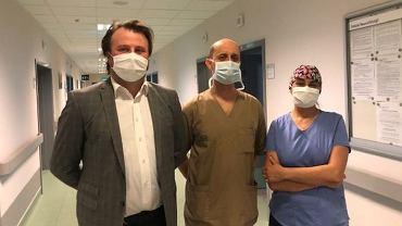 Zespół neurochirurgów operujący 14-letnią Cordelię Sitbon
