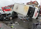 Poważny wypadek na Targówku. Pięć osób rannych [WIDEO]