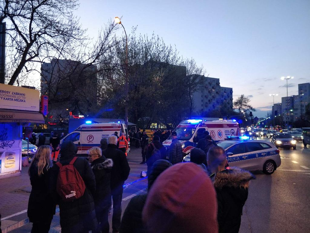Atak nożownika na Sobieskiego przy skrzyżowaniu z Dolną