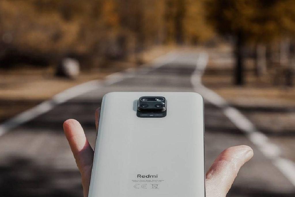 Świetne smartfony do 1500 zł. Na które modele warto zwrócić uwagę?