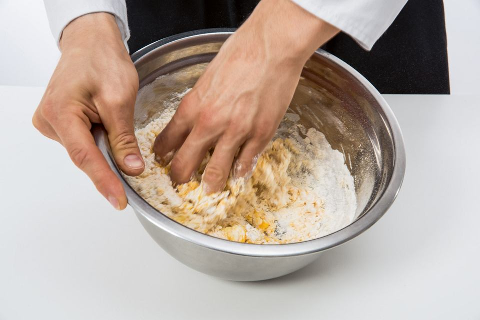 Zdjęcie numer 3 w galerii - Jak zrobić domowy makaron? Mamy przepis krok po kroku i kilka porad