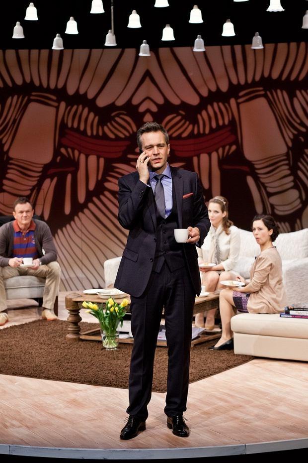Michał Żebrowski na deskach swojego Teatru 6. piętro w Pałacu Kultury