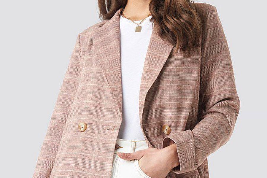 fc5a05520ef87 Te żakiety warto mieć w szafie! Klasyczne, kolorowe i wzorzyste modele,  które latem będą idealne na top czy T-shirt