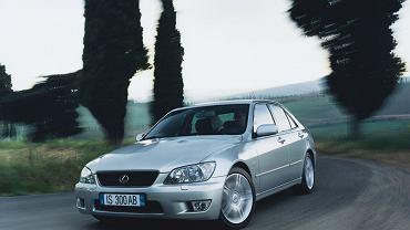 Lexus IS I