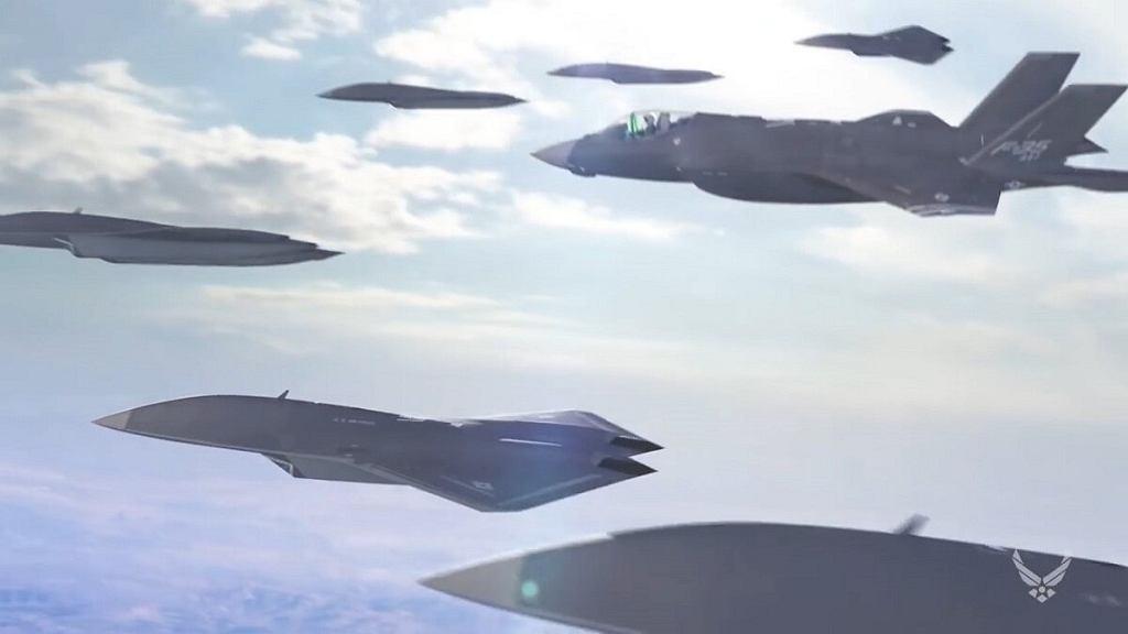 Myśliwiec oraz drony wspomagające, grafika koncepcyjna