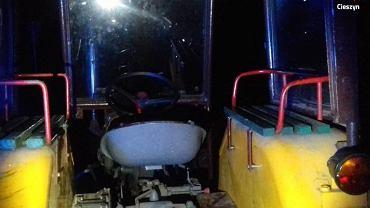 Kompletnie pijany traktorzysta wiózł piątkę pasażerów