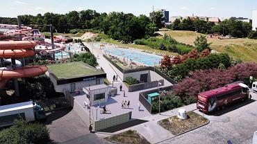 Na terenie między ulicą Petrusewicza a Wzgórzem Andersa Aquapark wybuduje dwa nowe baseny