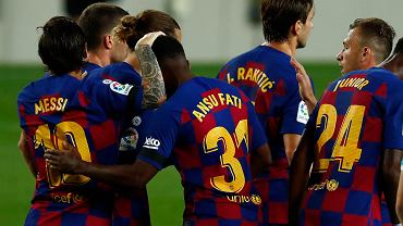 Piłkarze Barcelony - w tym Leo Messi i Ansu Fati - w meczu z Leganes