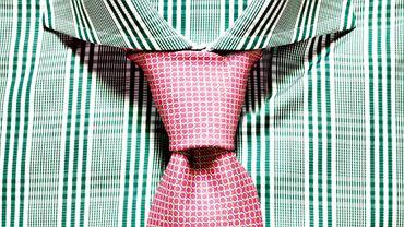 Akademia stylu: jak nosić krawat. Na zdjęciu węzeł windsorski