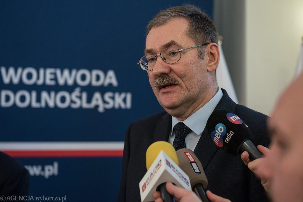 Dolny Śląsk. Kurator Roman Kowalczyk zorganizował wspólne śpiewanie pieśni patriotycznych
