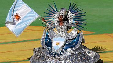 Argentyńska tancerka podczas ceremonii zamknięcia mundialu