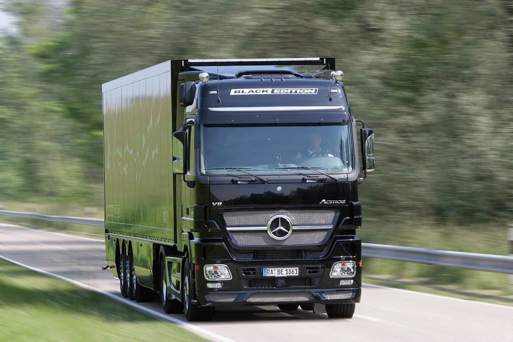 Mercedes-Benz Actros 1861 LS Black Edition