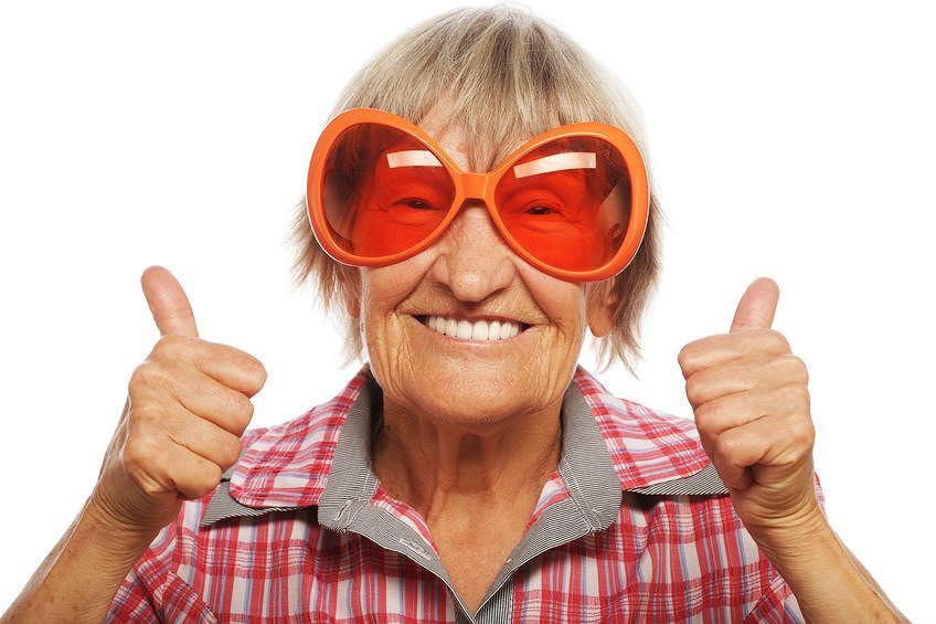 Praca. Emerytura. Zwalnianie starszych pracowników. - Wyraziłem chęć pracy po 65 roku życia i mam nadzieję że do 70-tki będę pracować. Z symulacji ZUS wynika, że będę mieć 100 proc wyższą emeryturę- pisze nasz czytelnik.
