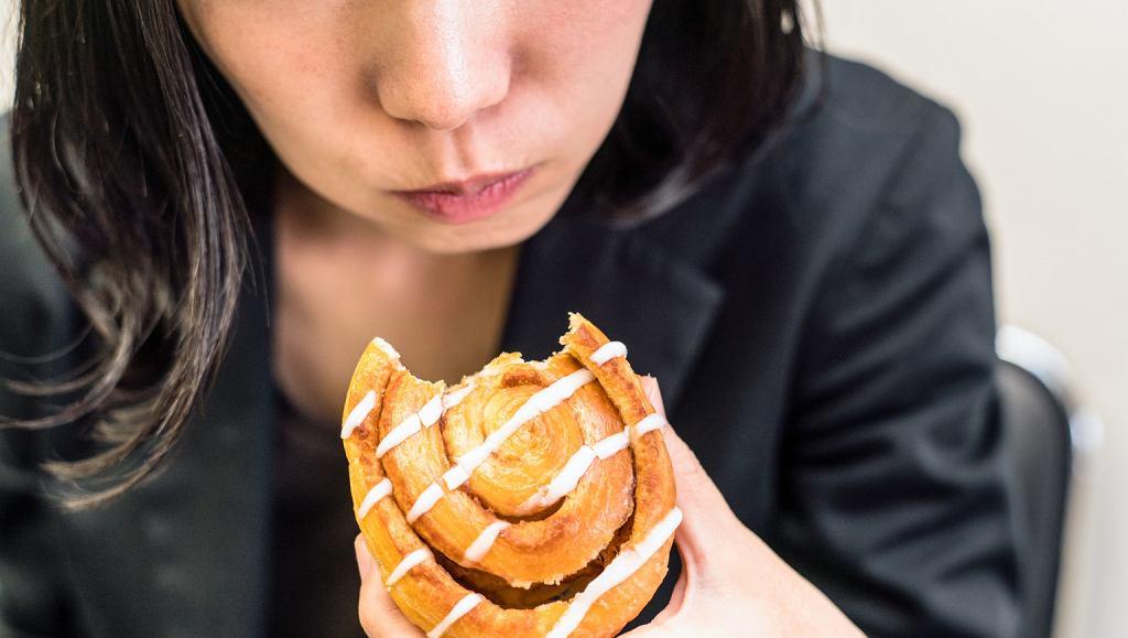 Organizacja Overeaters Anonymous zrzesza osoby uzależnione od kompulsywnego jedzenia
