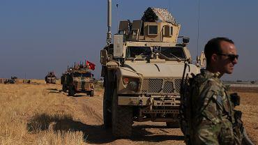 Turcja gromadzi wojska przy granicy z Syrią