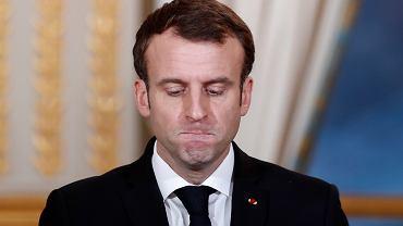 Emmanuel Macron z pewnością się nie spodziewał, że półtora roku po wyborze na prezydenta będzie miał tak fatalne notowania w sondażach. Na zdjęciu: podczas konferencji prasowej w Pałacu Elizejskim, Paryż, 17 grudnia 2018 r.