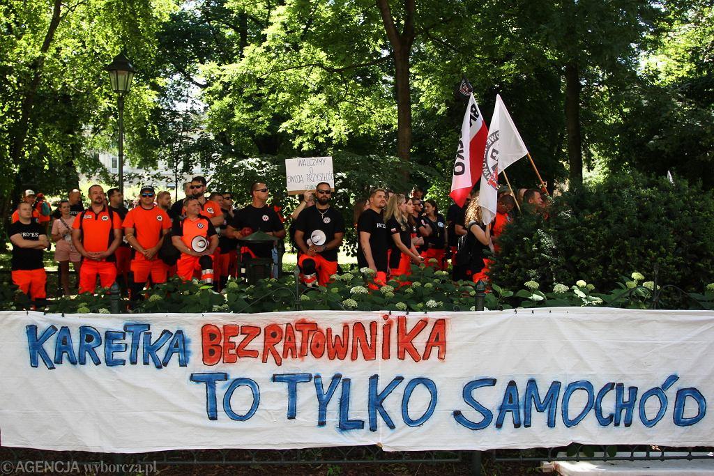 (Protest ratownikow medycznych w Krakowie