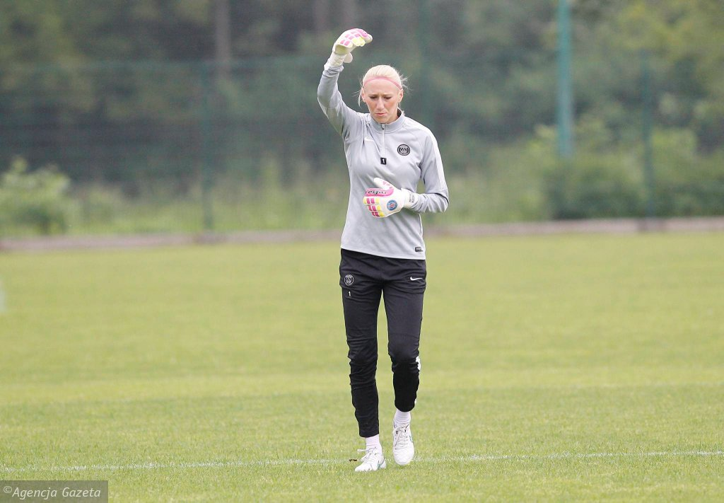 Katarzyna Kiedrzynek na treningu z bramkarzami GKS-u Katowice