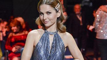 Paulina Sykut zawsze wygląda pięknie, ale na wyborach mistera przesadziła. Fani: Księżniczka. Tę suknię trzeba zobaczyć w całej okazałości