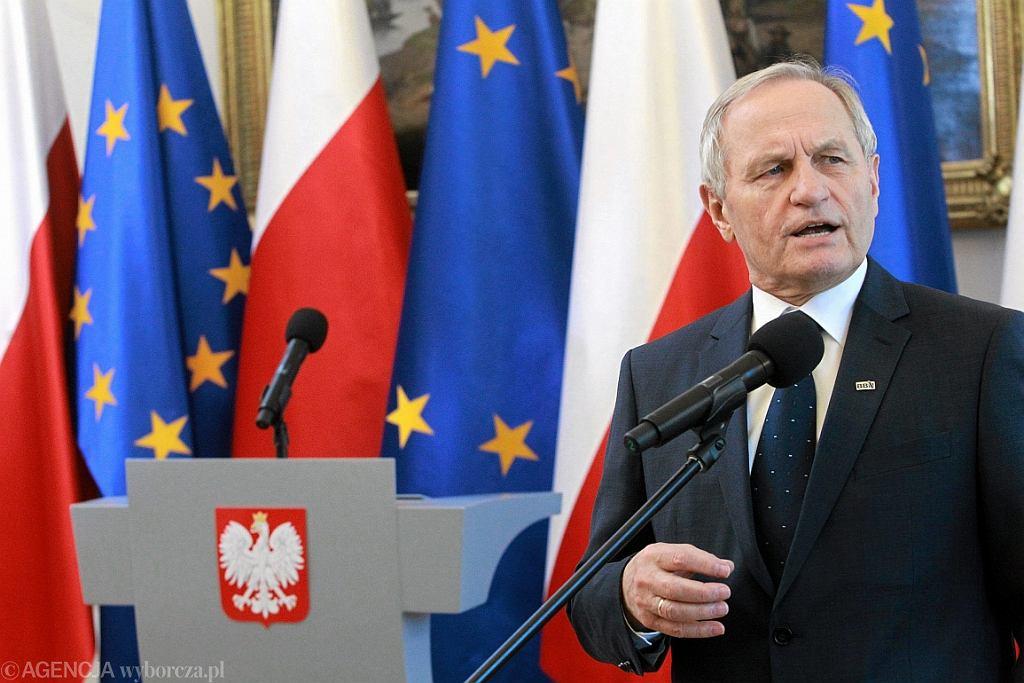Generał Stanisław Koziej w 2015 r. jako szef BBN (fot. Przemek Wierzchowski/AG)