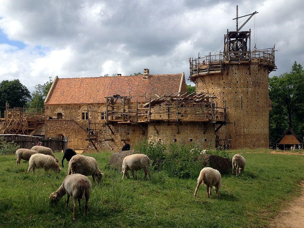 Zamek Guédelon w maju 2014 roku