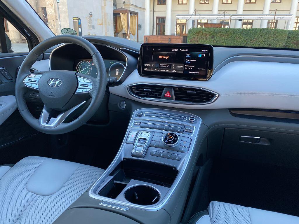 Hyundai Santa Fe 2021 kokpit