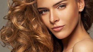 Przydatne wskazówki jak zapuścić długie i piękne włosy
