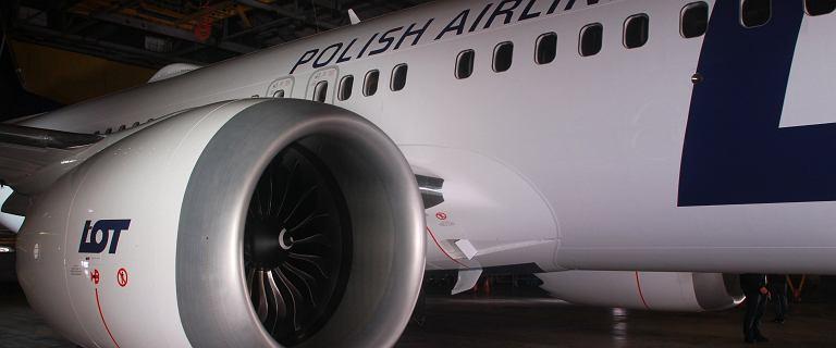 Sezon wakacyjny niebawem. Polskie Boeingi 737 MAX uziemione, ale LOT uspokaja