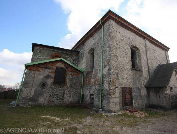 Synagoga w Chmielniku. Rok 2008 (fot. Wojciech Habdas / Agencja Gazeta)