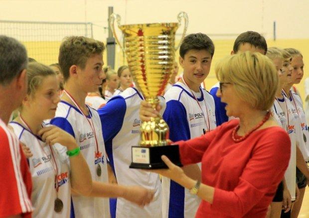 Uczestnicy turnieju minisiatkówki