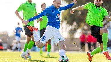 Lech Poznań - FK Ufa 1:1 podczas sparingu na Cyprze. Szymon Pawłowski
