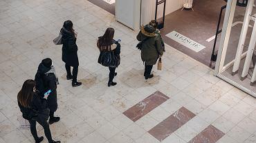 Polska Rada Centrów Hadlowych twierdzi, że zamykanie sklepów w galeriach jest niebezpieczne