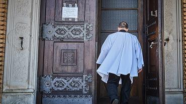 Na mszy świętej modlono się o polski rząd. Politycy PiS jako 'wyjątkowy dar' (zdjęcie ilustracyjne)