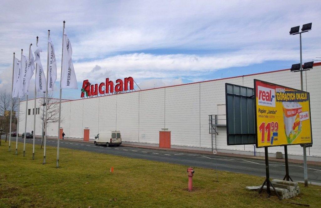 Hipermarket przy ul. Katowickiej już oficjalnie jako Auchan