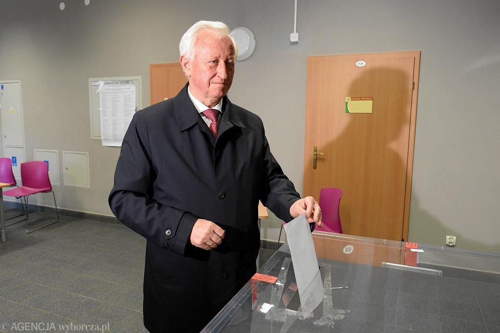 Bogusław Liberadzki głosuje w eurowyborach 2019
