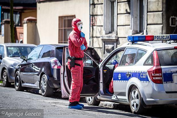 Fala hejtu spada na policjantów za interwencje podczas epidemii