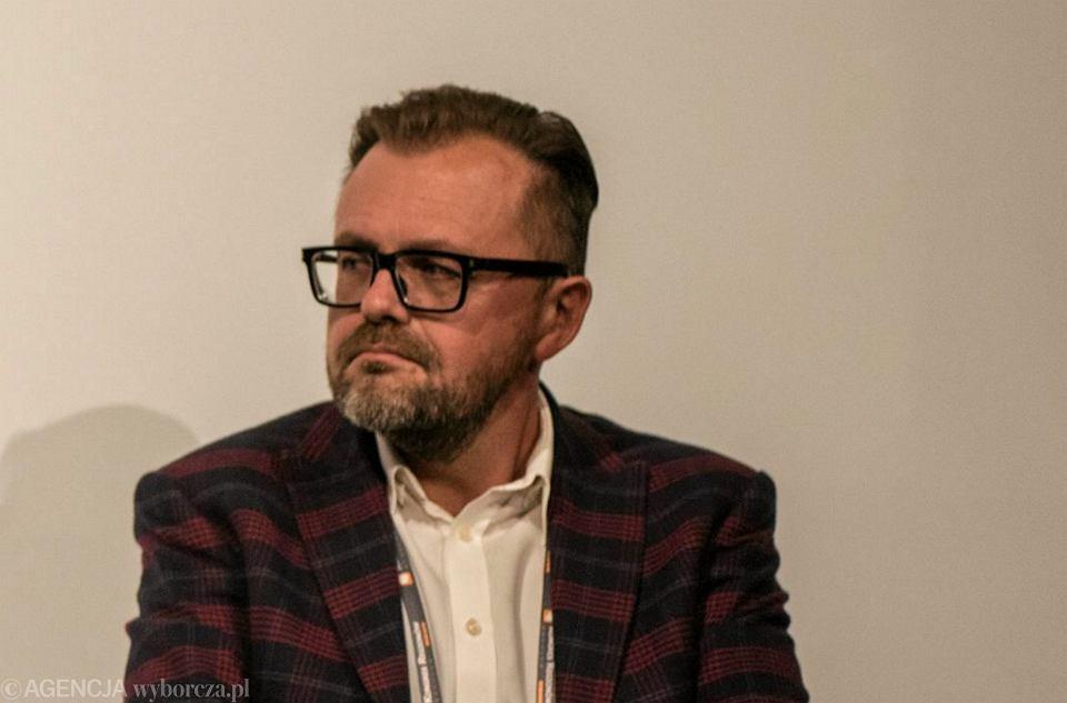 Redaktor naczelny dziennika 'Fakt' Robert Feluś podczas panelu 'Jak współpracować z mediami' w ramach Kongresu Regionów. Wrocław, 27 września 2016 r.