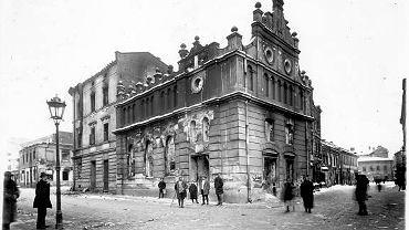 Lwowska synagoga spalona podczas pogromu żydowskich mieszkańców dokonanego przez Polaków 22-24 listopada 1918 r.