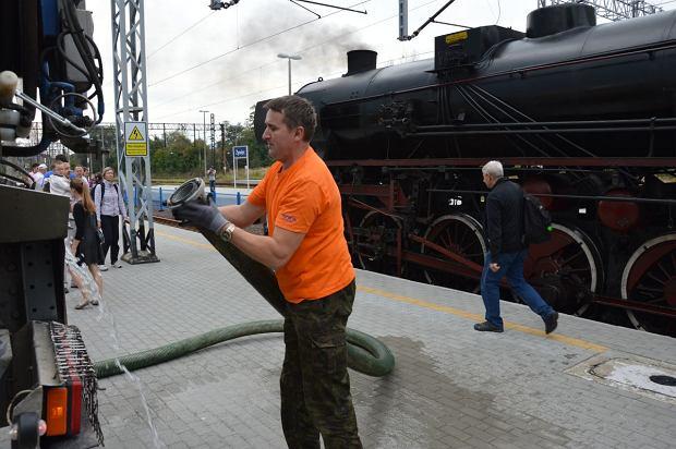 Zdjęcie numer 3 w galerii - Zabytkowy pociąg przyjechał do Żywca piękną trasą [ZDJĘCIA]