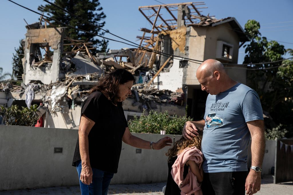Izrael. Dom zniszczony przez rakietę wystrzeloną ze Strefy Gazy