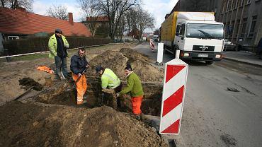 10.03.2009, Zielona Góra, remont ulicy Sienkiewicza, pierwszej 'Schetynówki' w województwie lubuskim.