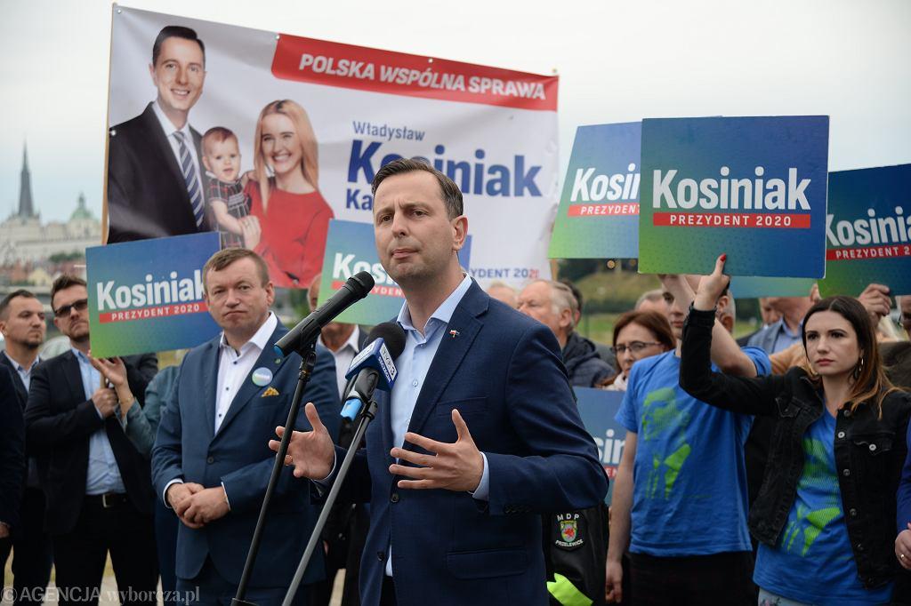 Kandydat na prezydenta RP Władysław Kosiniak - Kamysz na kampanijnym szlaku. Szczecin, 21 czerwca 2020