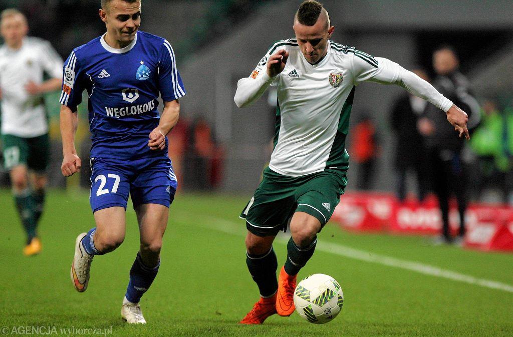 Śląsk Wrocław - Ruch Chorzów 0:0. Z piłką Robert Pich