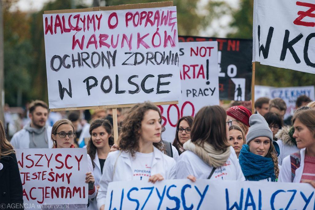 Strajk medyków z października 2017 roku. Zdjęcie ilustracyjne.