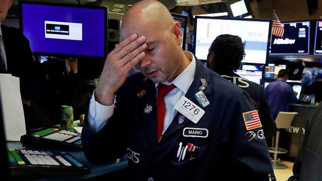 Najgorsza sesja na Wall Street w tym roku, WIG20 mocno w dół, złoty traci, frank w górę. Rynki boją się recesji