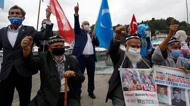 Protest Ujgurów przed chińskim konsulatem w Stambule