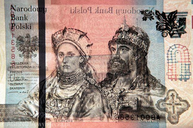 Zdjęcie numer 11 w galerii - 1050. rocznica chrztu Polski. Bez brody, z wąsem, albo z papierosem - różne wizerunki Mieszka I