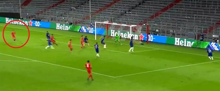 Piękny gol Roberta Lewandowskiego w meczu z Chelsea. Zawisł w powietrzu