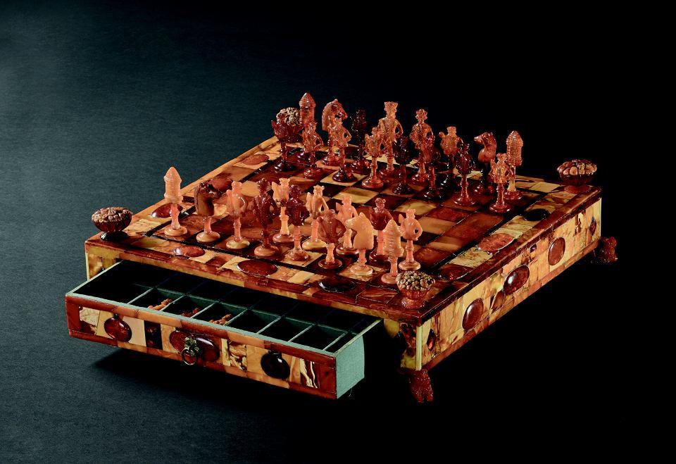 Bursztynowe szachy, które powstał w Gdańsku ok. 1690 roku,