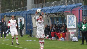 Polska - Malta we Wronkach, mecz eliminacji mistrzostw Europy do lat 19. W białym stroju Karol Linetty